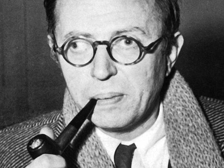"""""""En el hombre la existencia precede a la esencia"""" - Jean-Paul Sartre"""