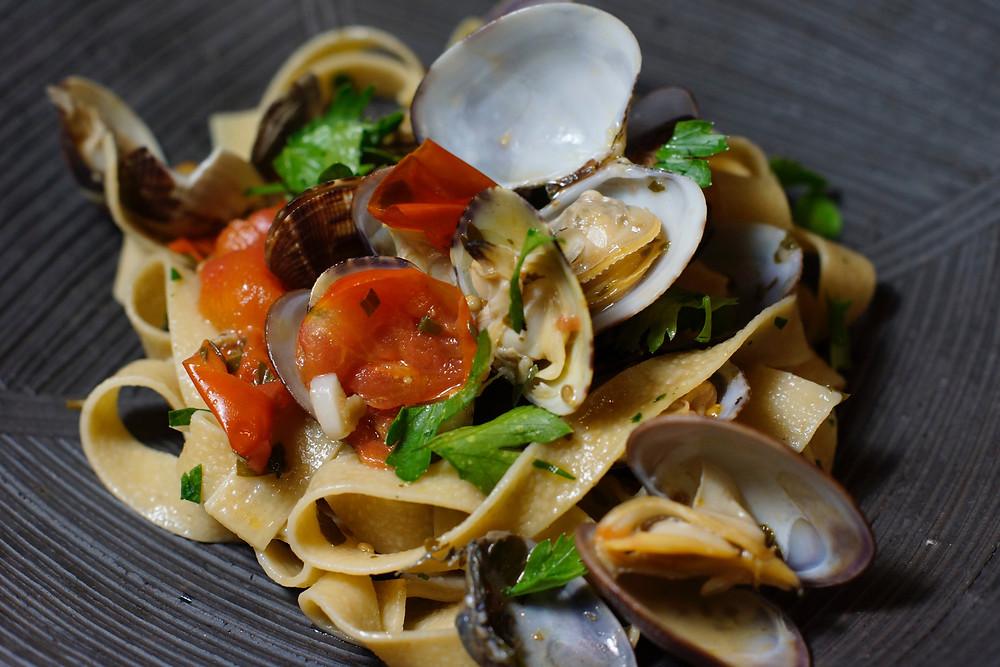 Linguine Vongole mit Steinpilzen - cooking is a journey