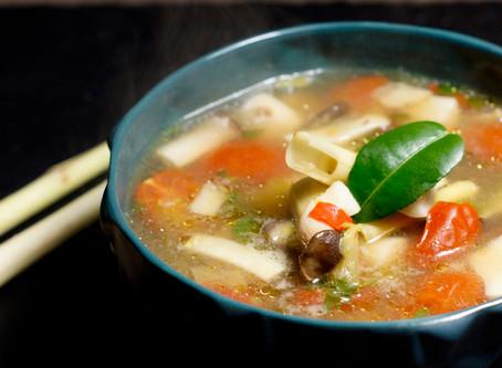 Tom Yam Pla - scharfe Thaisuppe mit Fisch
