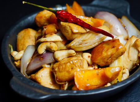 Gai Pad Med Mamuang - Gebratenes Hühnchen mit Cashewnüssen