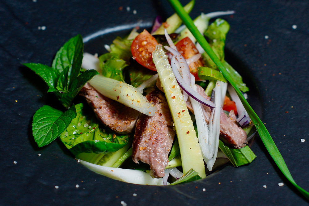 Yam Nua - thailändischer Rindfleischsalat