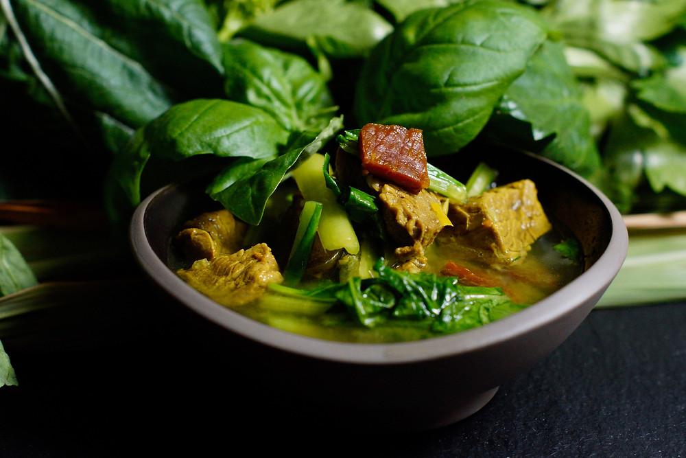 Salaw Machu Kreoung – süß-sauere Suppe mit Rindfleisch