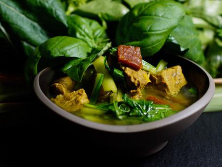Salaw Machu Kroeung – süß-sauere Suppe mit Rindfleisch