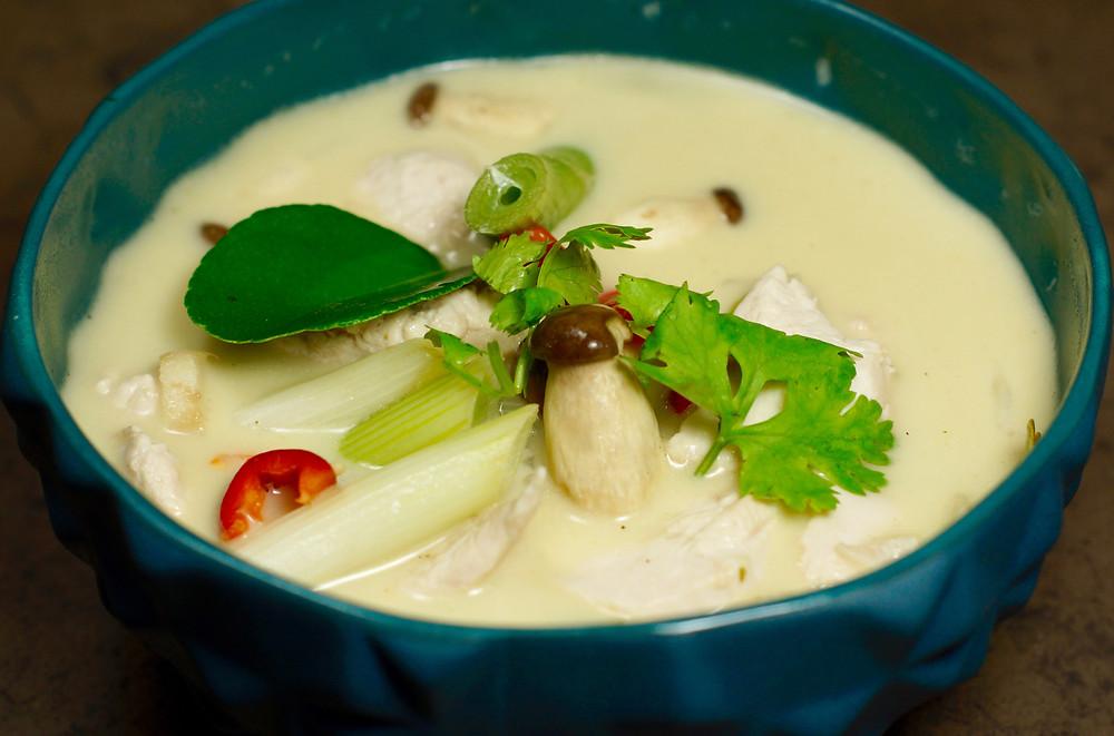 Tom Kah Gai - thailändische Hühnersuppe