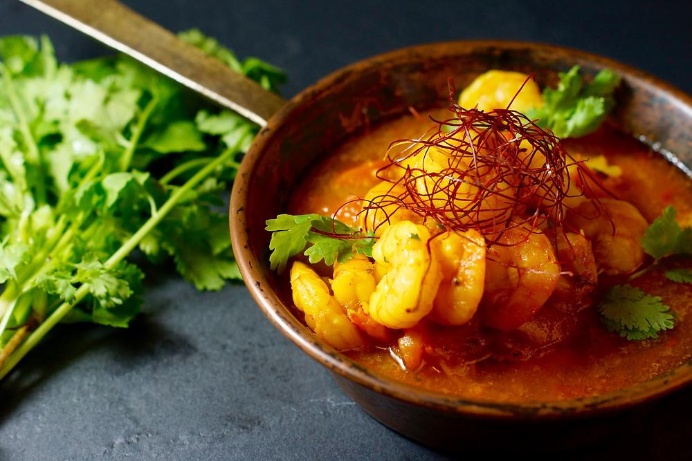 Gelbes Garnelen-Curry aus Myanmar