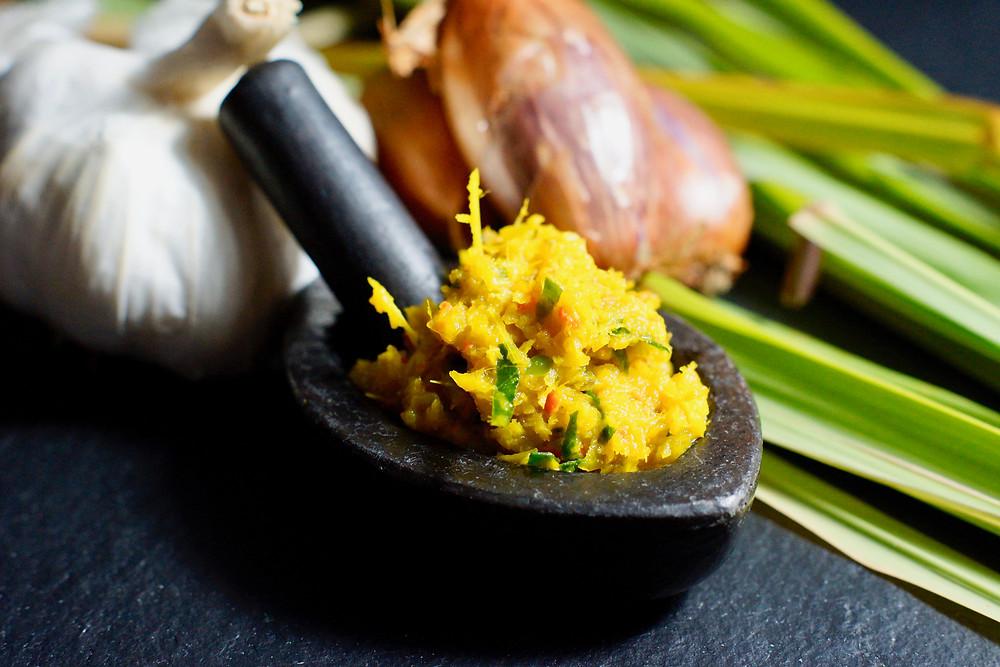 Kreoung – gelbe kambodschanische Zitronengras Paste