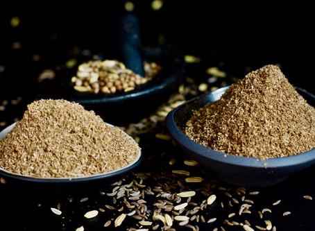 Helles und dunkles Curry-Pulver für Sri Lankische Curries