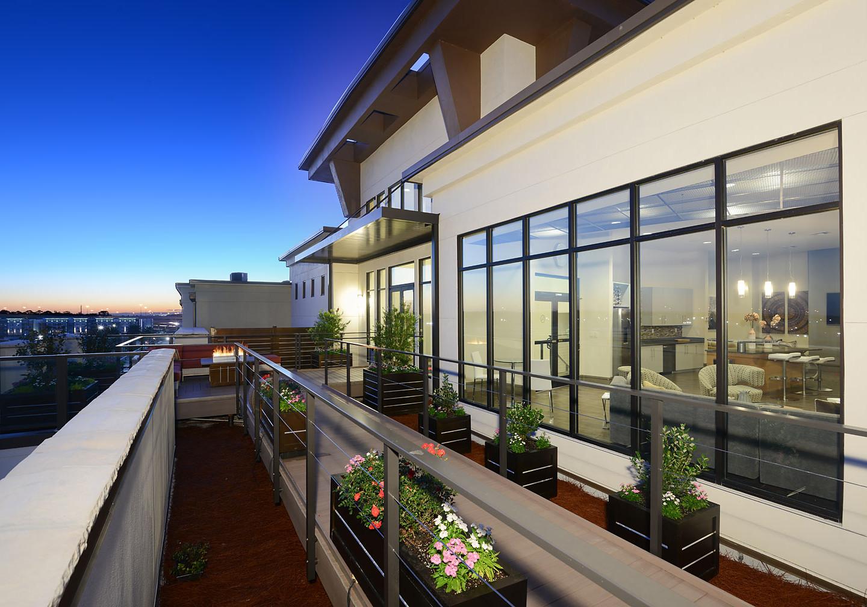 25-009 Terrace Walkways With Views Towar