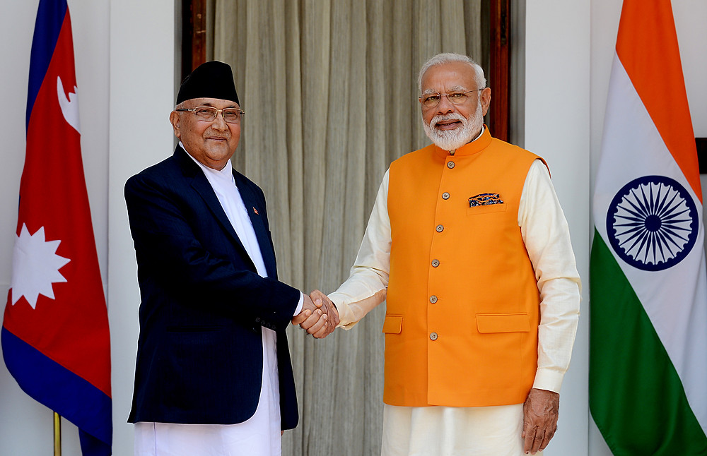The 2 prime ministers shaking hands