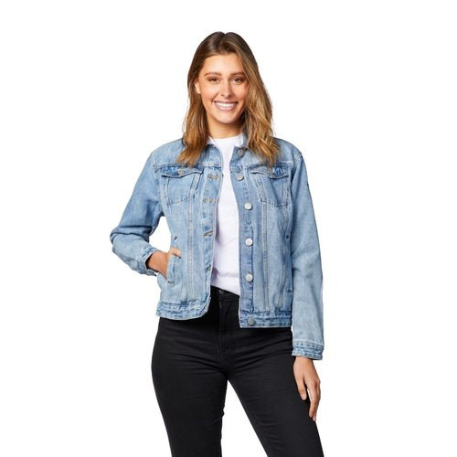 Boasting a confident look as she clads on Denim Jacket