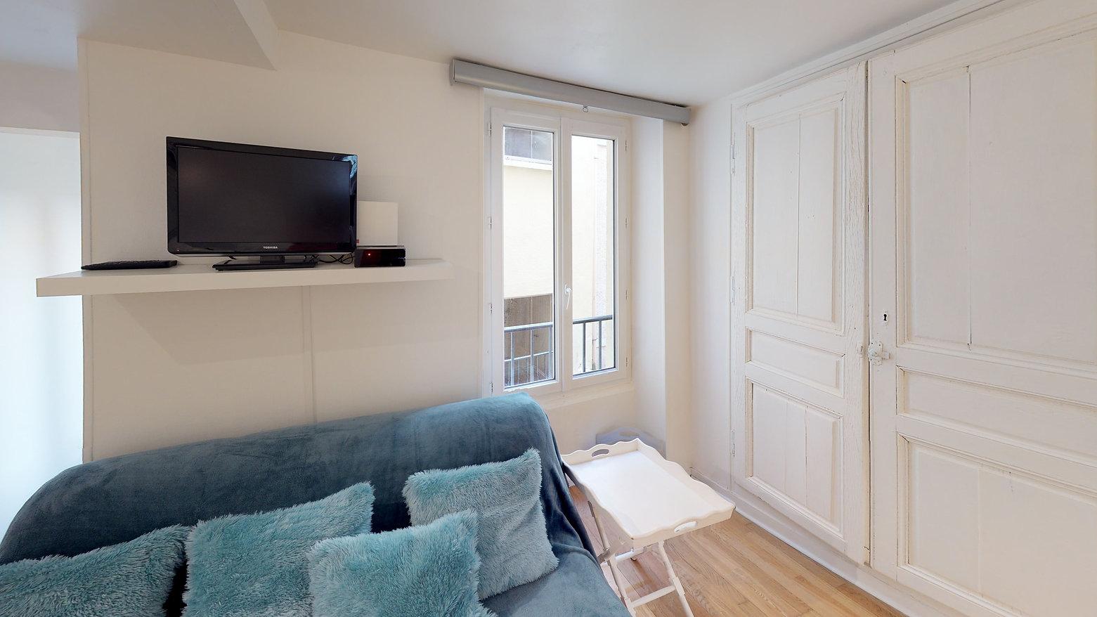 Reference-4668-Living-Room.jpg