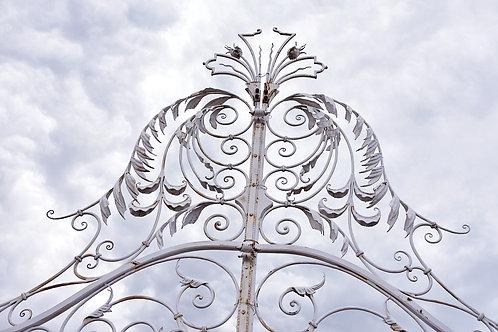 Gigantische witte poort