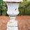 Thumbnail: Witte vaas op sokkel