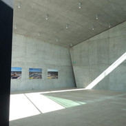 Hra světel a stínů v muzeu Tirpitz