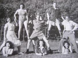 Téměř všichni mladí lidé z Československa, kteří byli v Dánsku, se znali už od dětství. Chodili totiž do sionistických spolků, povídali si o komunitním životě v kibucu a také hodně sportovali. A láska ke sportu jim vydržela i v Dánsku.