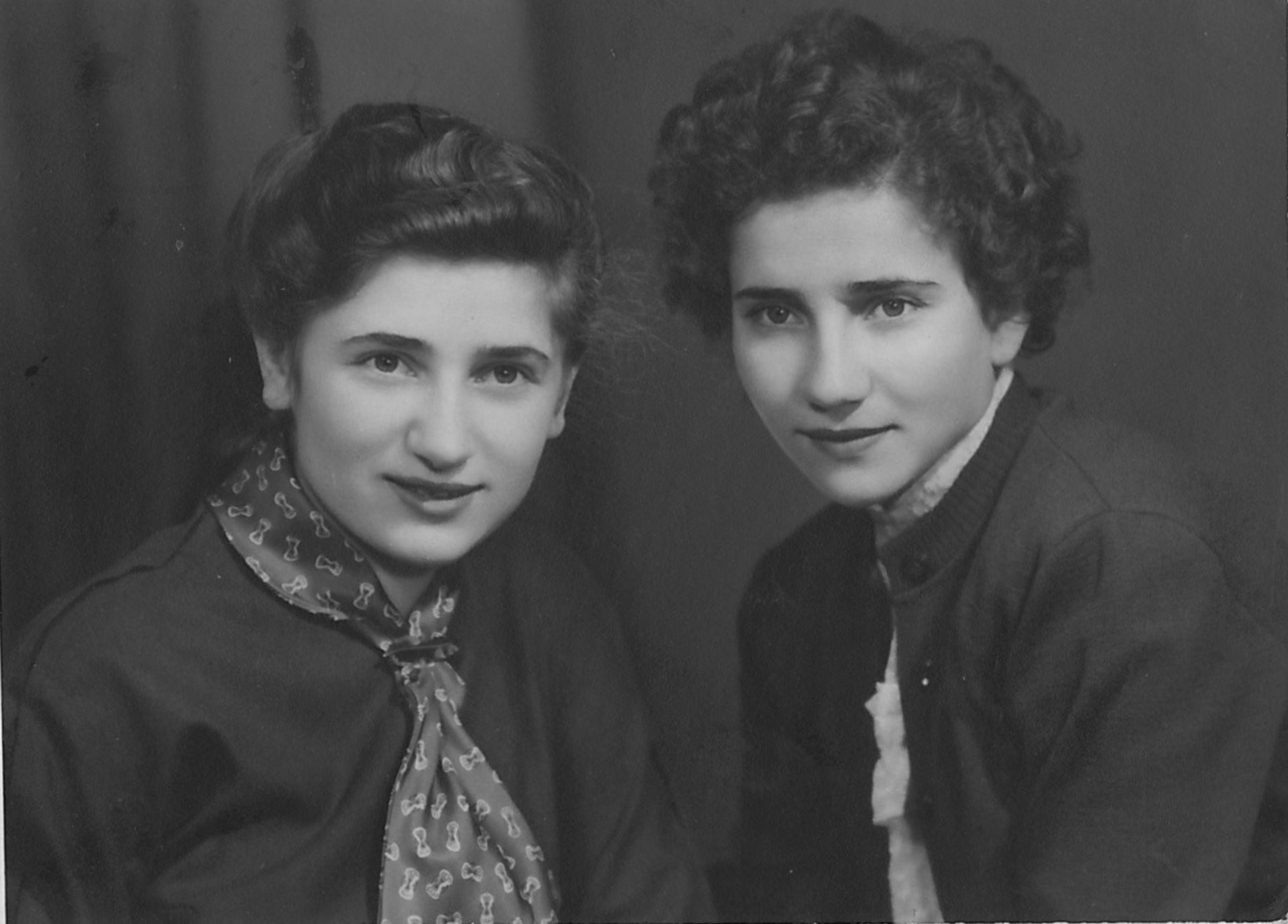 Lina and her sister