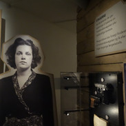 Dánská kolaborantka, která za peníze udávala lidi a několik kvůli tomu bylo deportováno do koncentráku...