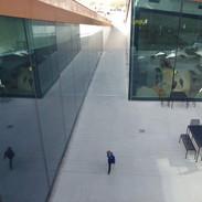 Vedle bunkru je tato část muzea. Podívejte se ze střechy dolů