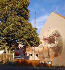 Street art v Aalborgu. Moc se mi líbí města, která podporují umění v ulicích. Jedním z nich je město Aalborg, kde najdete spoustu takových výjevů na fasádách.