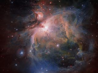 האם בורא-עולם מצוי בתוך החומר שביקום?