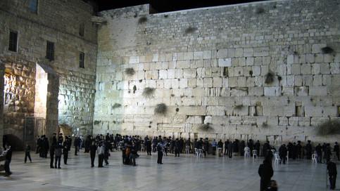 תפילת ערבית – חובה או רשות?