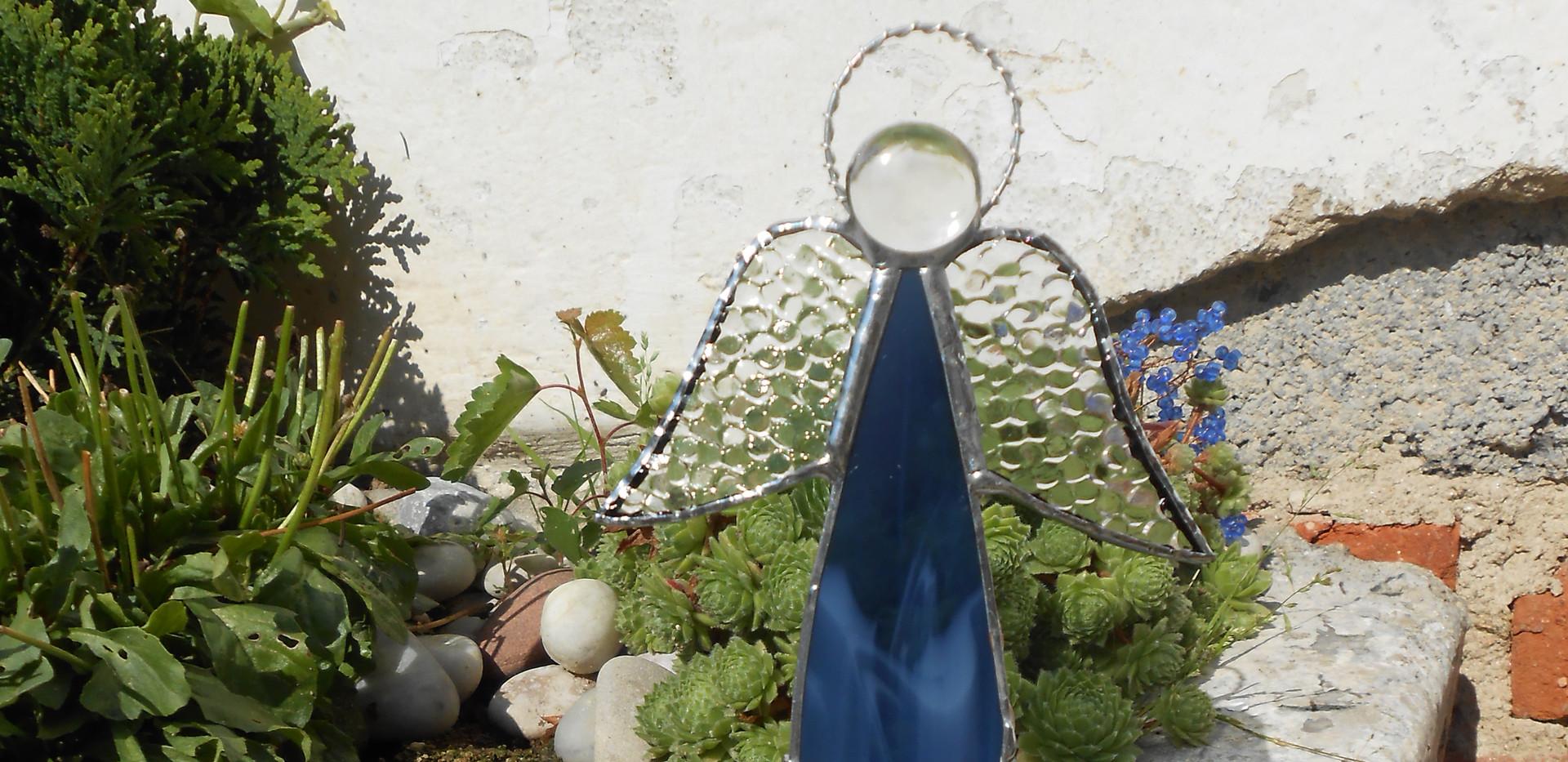 Anděl - stojící svícen 250 Kč
