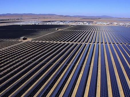 Solare, Dubai investe 13,6 miliardi di dollari in un impianto da 5000 Megawatt