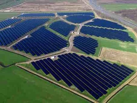 Facebook investe nella sostenibilità: finanziato un mega-parco solare in Texas