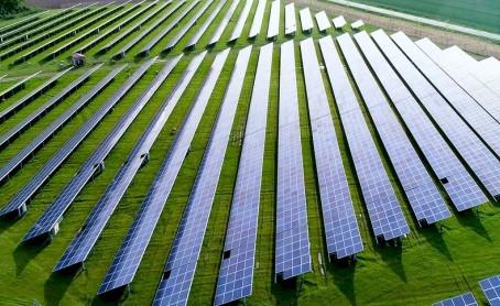 Scenari post-Covid, addio al petrolio mentre il fotovoltaico sarà centrale