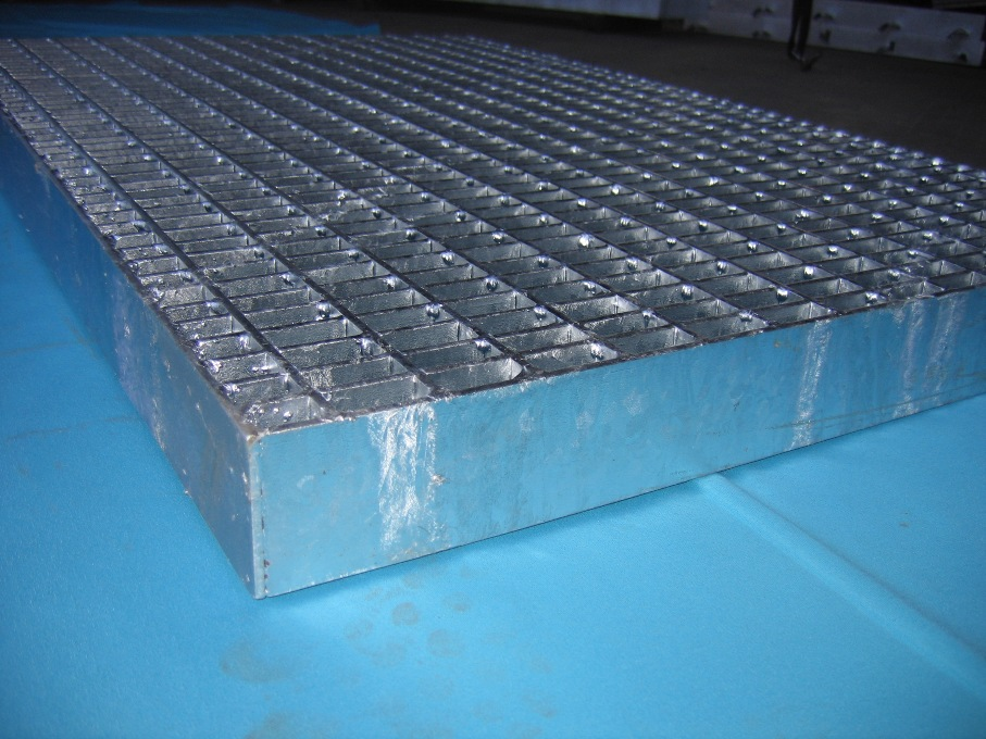 heavy type grating