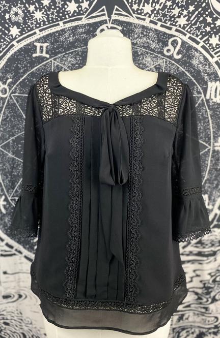 Karen blouse 1.heic