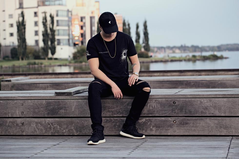 Midu Hoch streetwear clothing - Martin Nilsson - Barbershop t-shirt