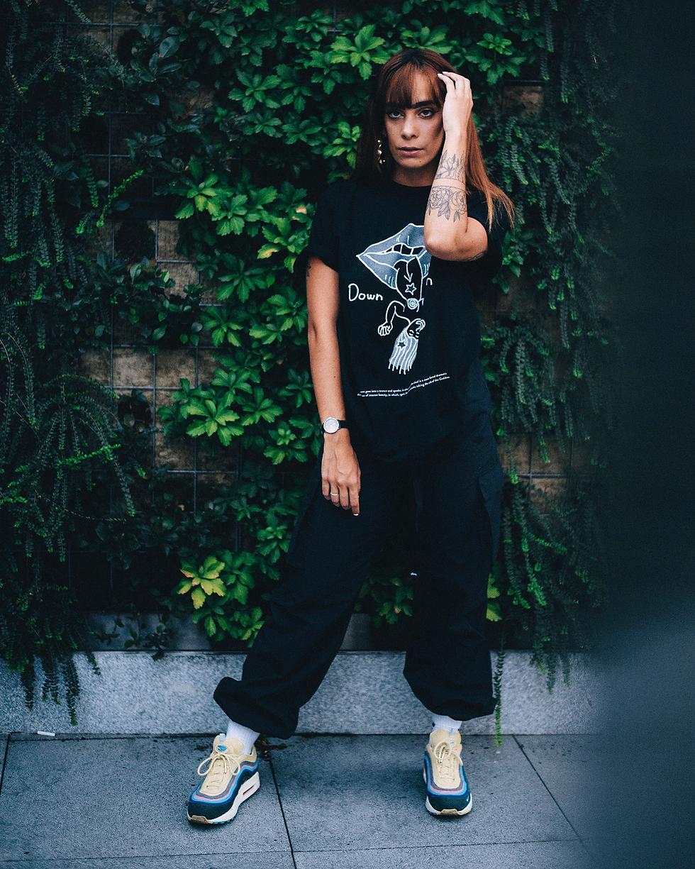 Midu Hoch streetwear clothing - Maria - Down Moon tee