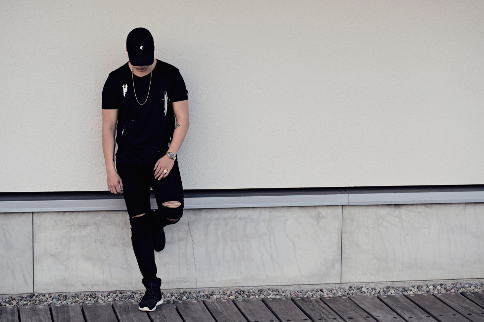 Midu Hoch streetwear clothing - Martin Nilsson - Noise t-shirt