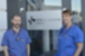 Veterinärerna Thorsten Muley och Anneli Skäre