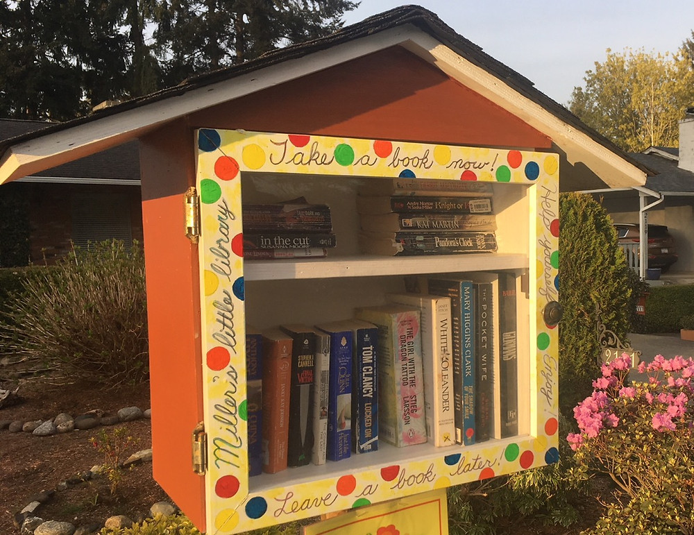 Little Free Library Comox1