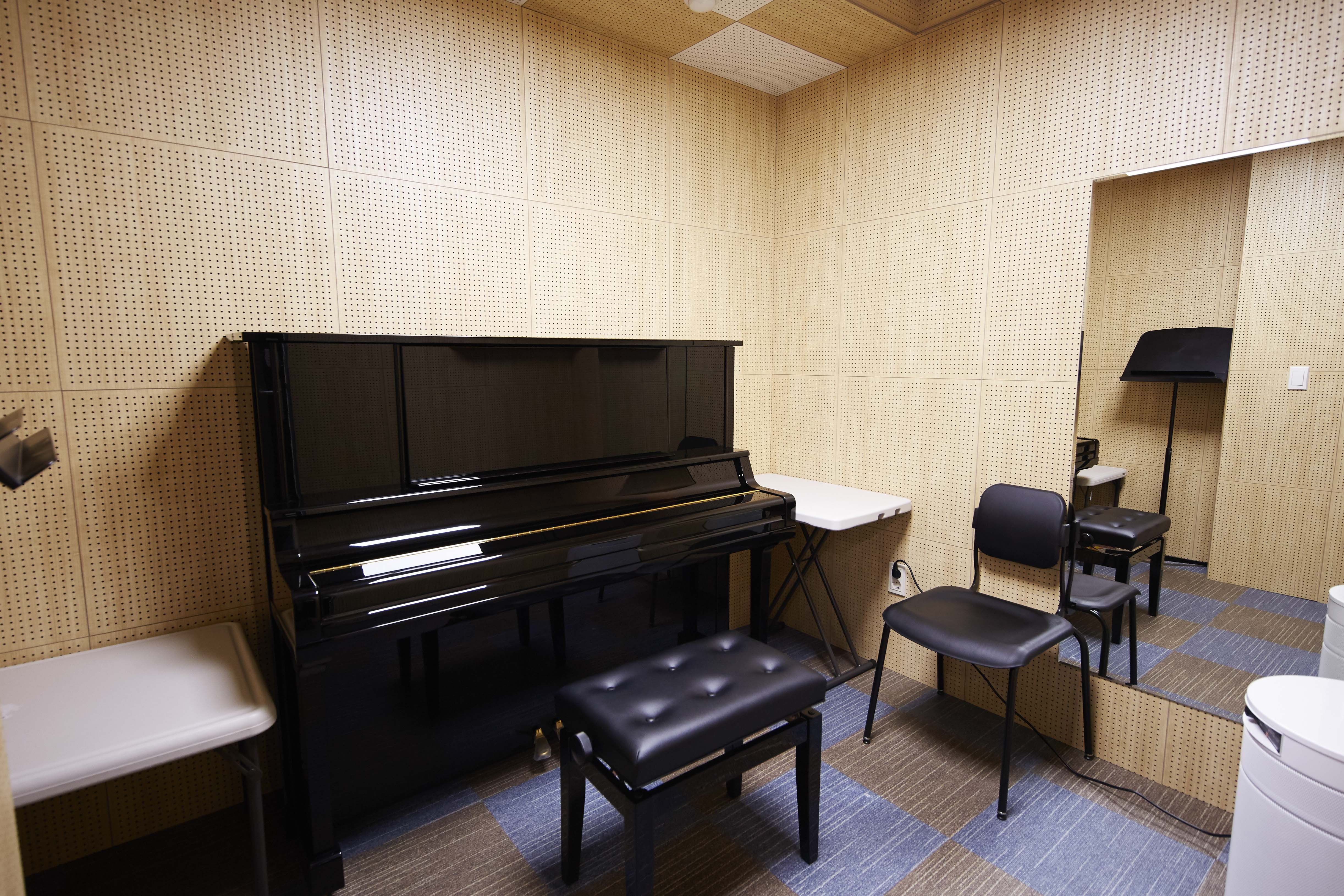 Uplight Piano Room