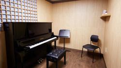 U-type Uplight Piano Room