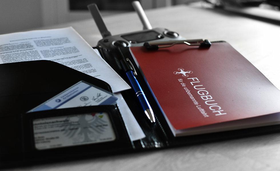 flightbook_closeup.jpg