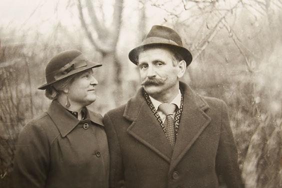 B&W Photo of a Couple