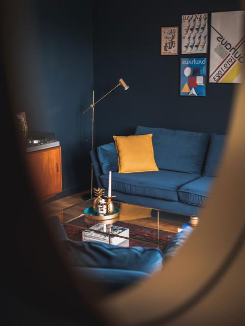 Décoration et Rénovation d'un appartement à Dinard : Salon Bleu Elegant par Esmerae, Décoratrice Architecte Interieur Dinard 35