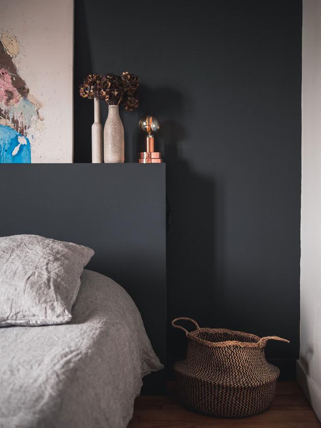Décoration et Rénovation d'un appartement à Dinard : Chambre par Esmerae, Décoratrice Architecte Interieur Dinard