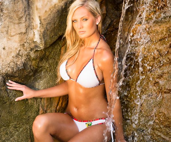 bikini-girl-calendar