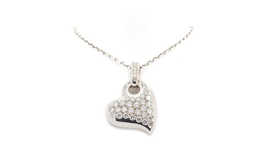 Heart pendant with diamonds