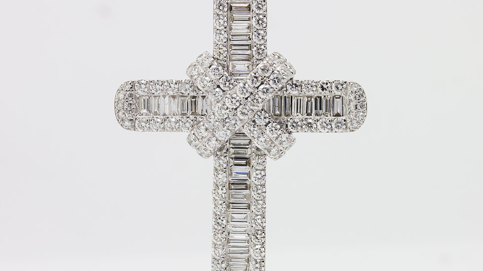 18ct Gold Diamond Cross
