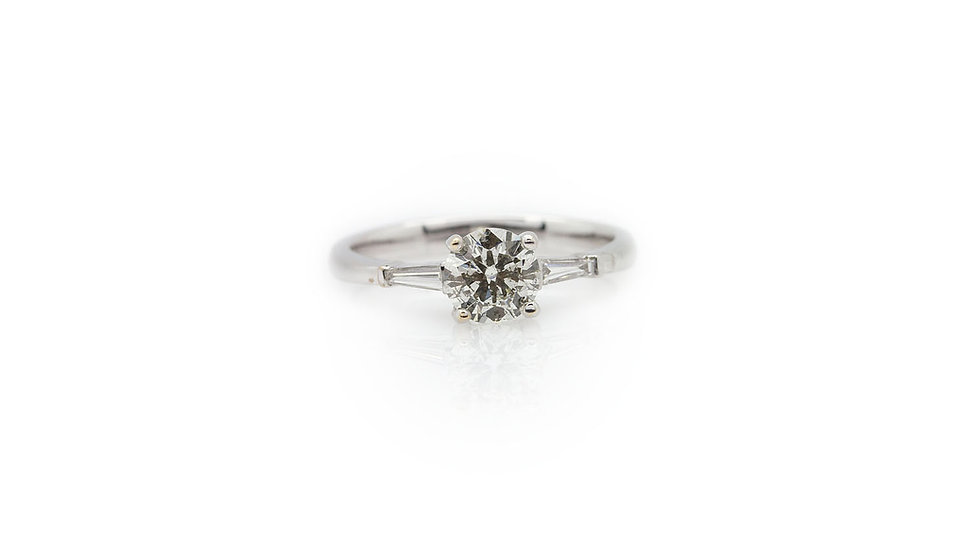 1.00ct diamond solitaire ring with a SI2 clarity and I colour view 1