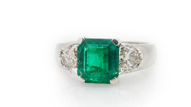 Emerald & Diamond Ring Grosvenor Jewellers