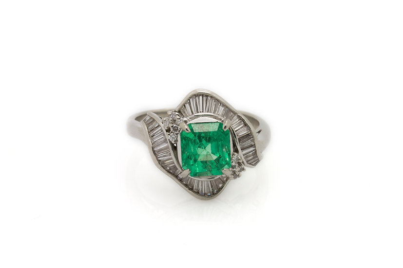 2ct Emerald Ring
