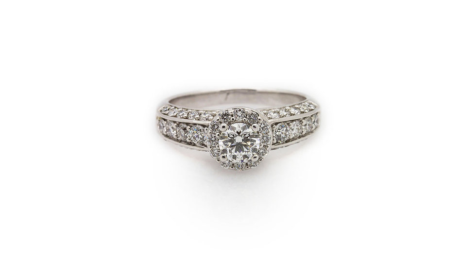 Diamond engagement ring set in 18ct white gold