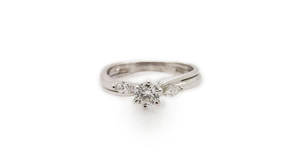 Diamond RingSet in 18ct white gold